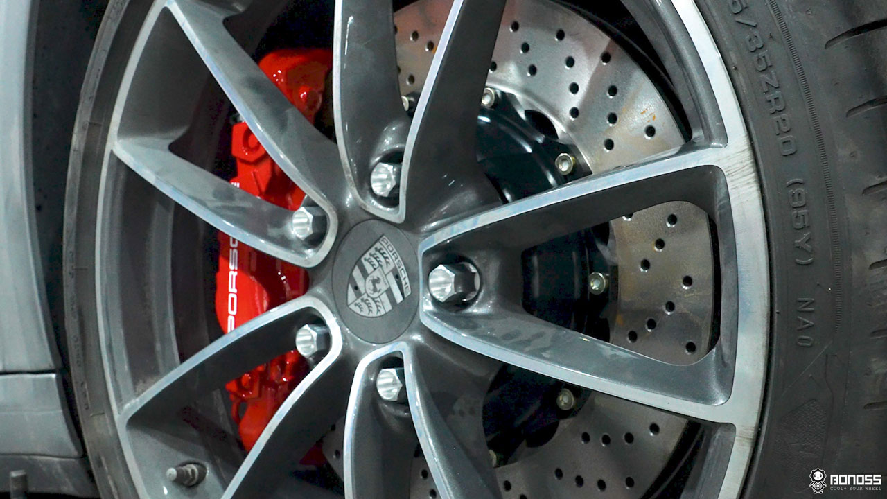 Daily 2021 Porsche 911 992 Carrera install BONOSS Forged Grade 12.9 Shell Type Lock Bolt Kit (12)
