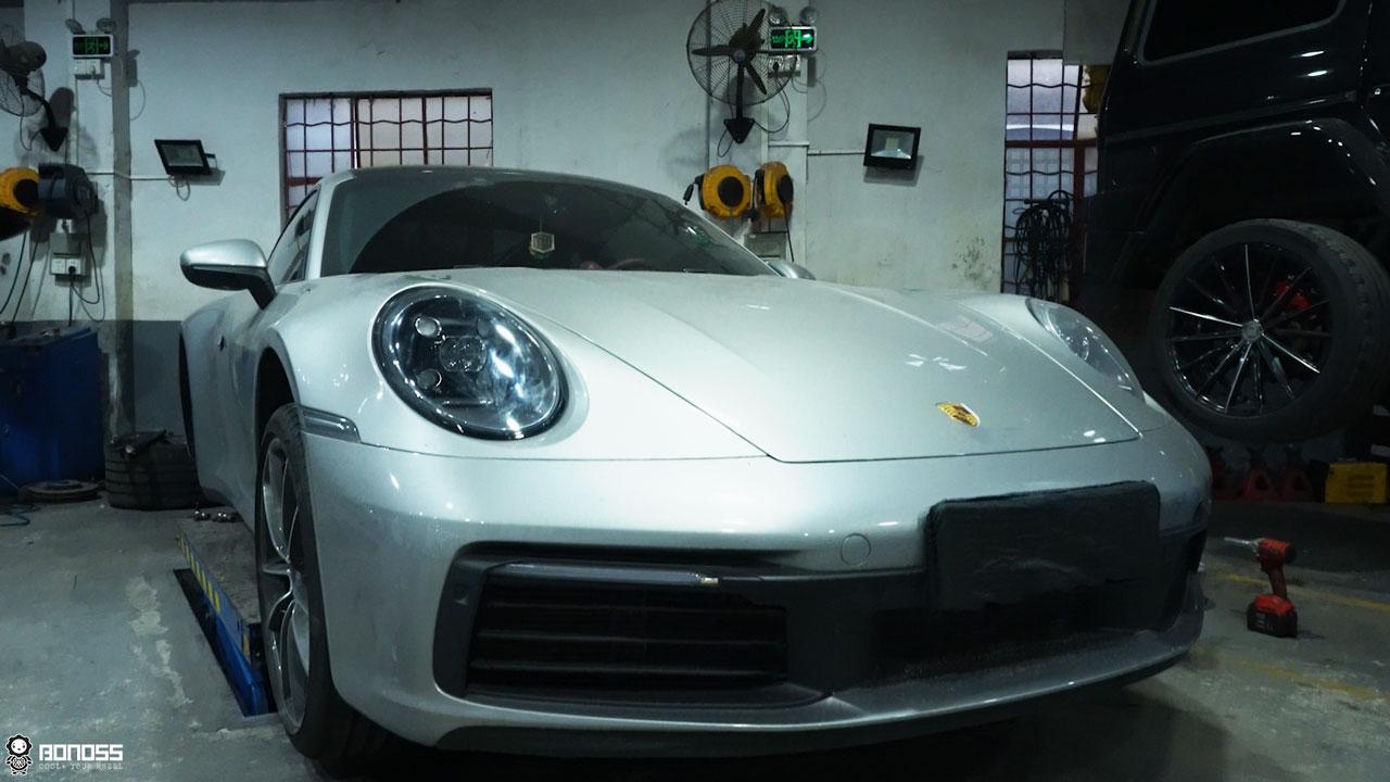 Daily 2021 Porsche 911 992 Carrera install BONOSS Forged Grade 12.9 Shell Type Lock Bolt Kit (2)