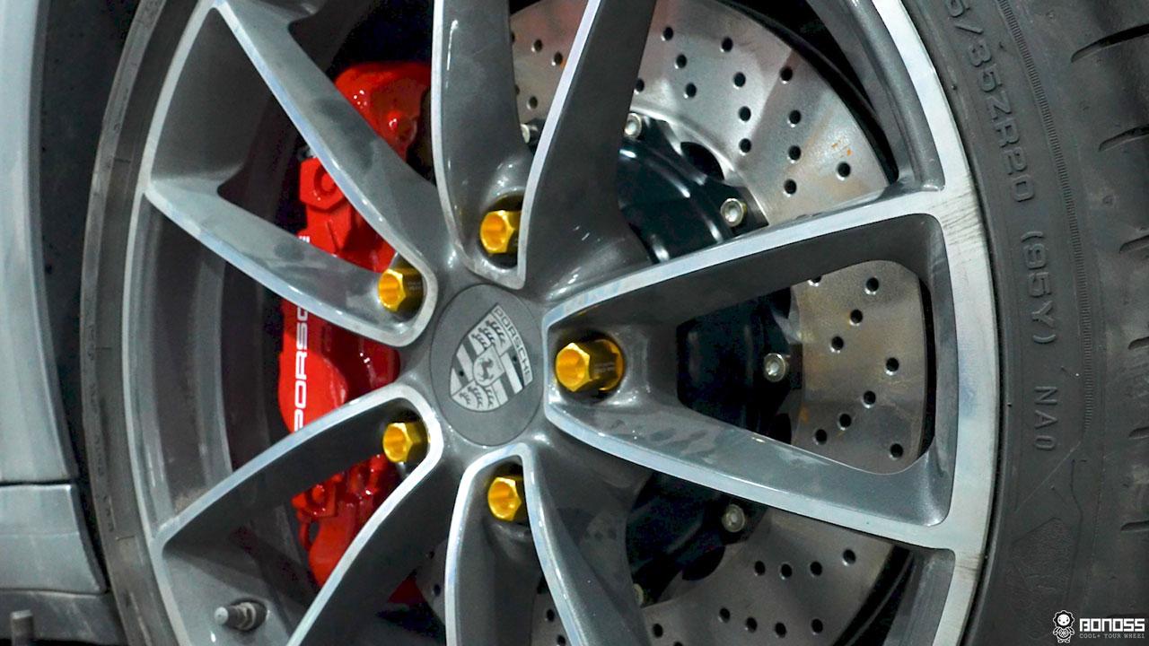 Daily 2021 Porsche 911 992 Carrera install BONOSS Forged Grade 12.9 Shell Type Lock Bolt Kit (9)